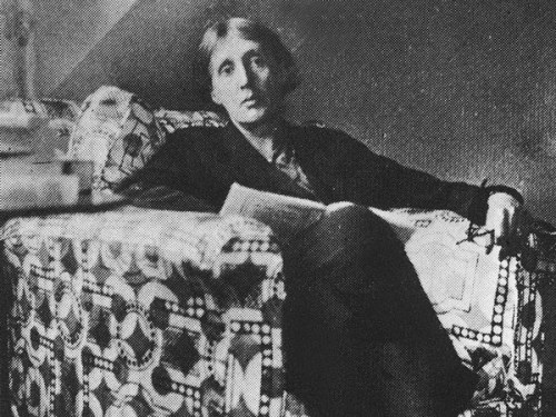 Virginia Woolf reads