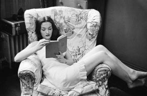Rosemary Williams reads